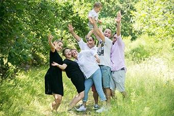 seance-photo-grande-famille-aurore-ceysson-saint-victor-sur-loire
